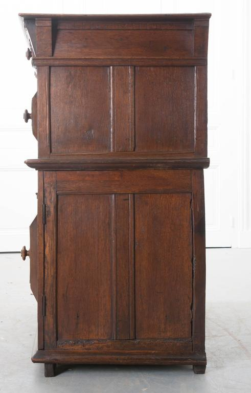 English 17th Century Charles II Oak Chest of Drawers For Sale 4