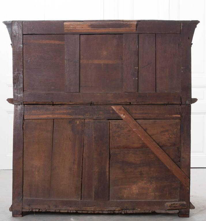 English 17th Century Charles II Oak Chest of Drawers For Sale 6