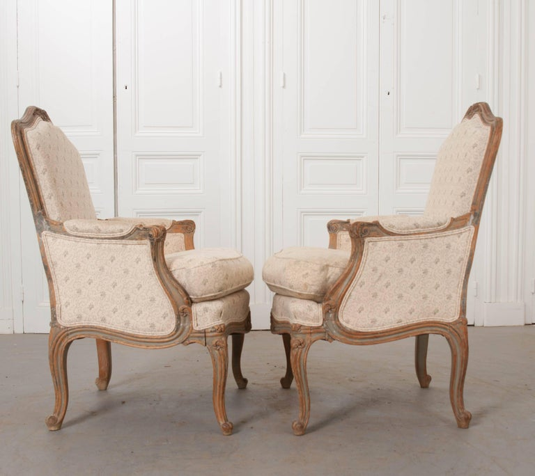 Hand-Carved Pair of 19th Century French Louis XV Bergères For Sale