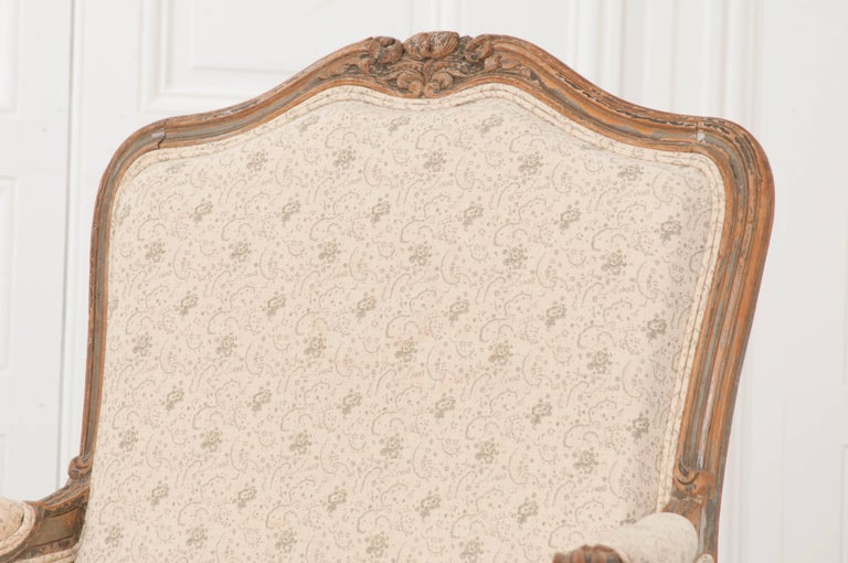Pair of 19th Century French Louis XV Bergères In Good Condition For Sale In Baton Rouge, LA