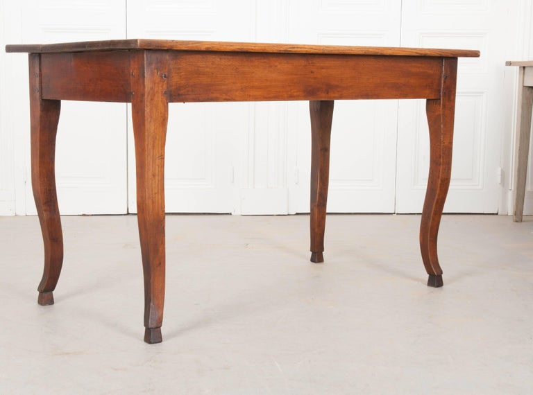 French 19th century oak cabriole leg table for sale at for Limited space dining table