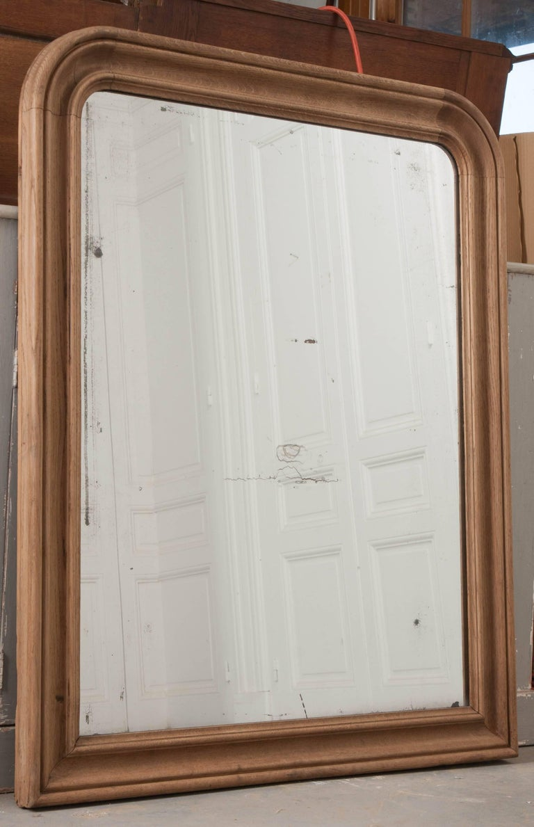 French 19th Century Bleached Oak Louis Philippe Mirror In Good Condition For Sale In Baton Rouge, LA