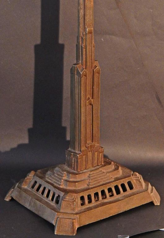 Pair of Bronze Art Deco Skyscraper Lamps, Antique and Highly Rare In Excellent Condition For Sale In Philadelphia, PA