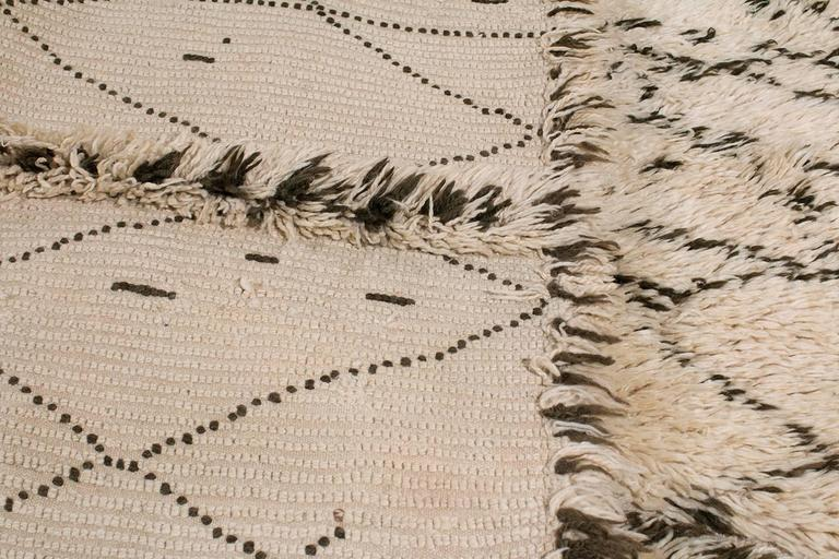 Spectacular Vintage Beni Ouarain Moroccan Rug 7x13.6 For Sale 2