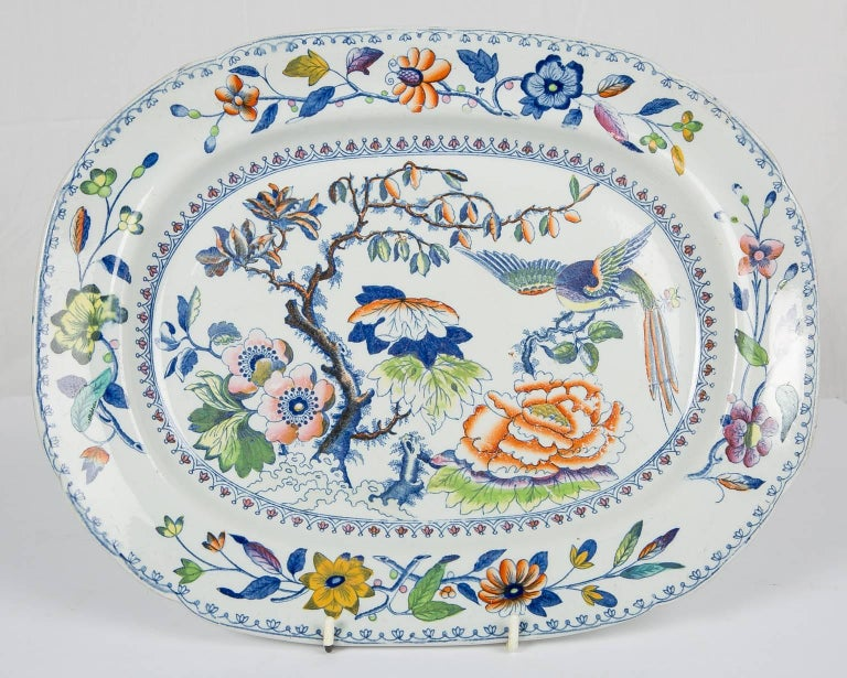 Antique Soup Tureen Flying Bird Pattern In Good Condition For Sale In New York, NY
