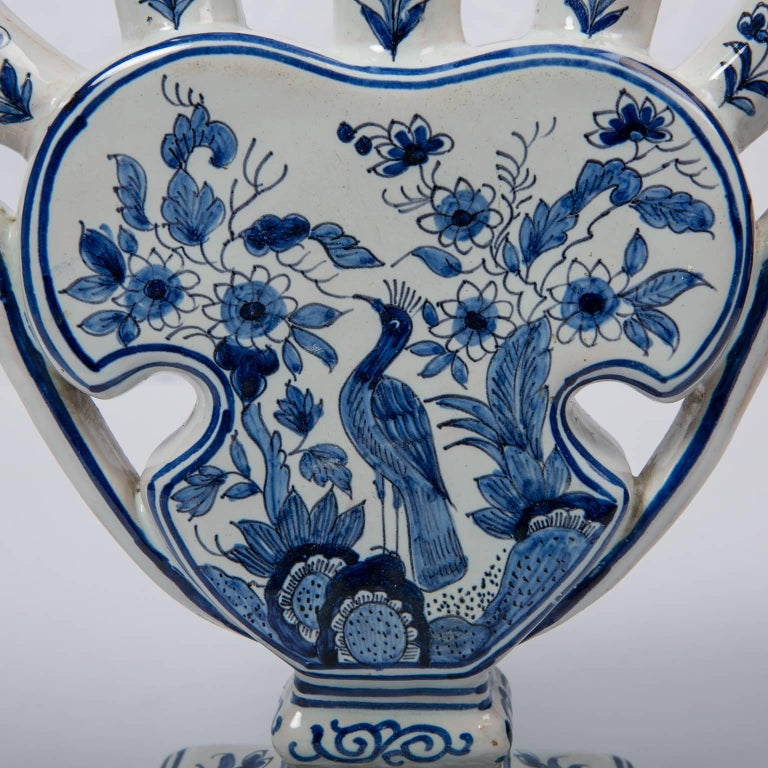 Delft Blue and White Tulipiere or Tulip Vase In Good Condition For Sale In New York, NY