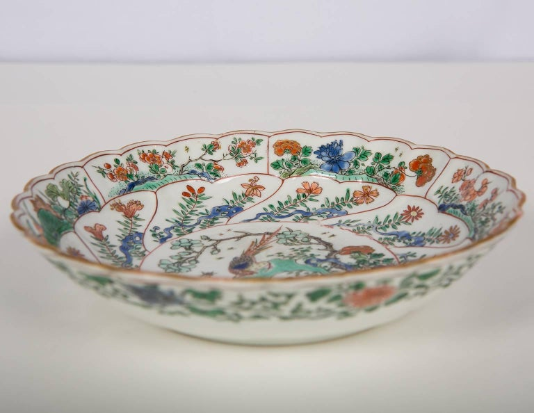 Chinese Export 18th Century Chinese Qianlong Porcelain Dish For Sale