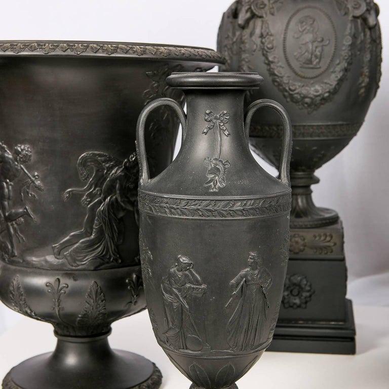 Collection Wedgwood Black Basalt Vases For Sale 1