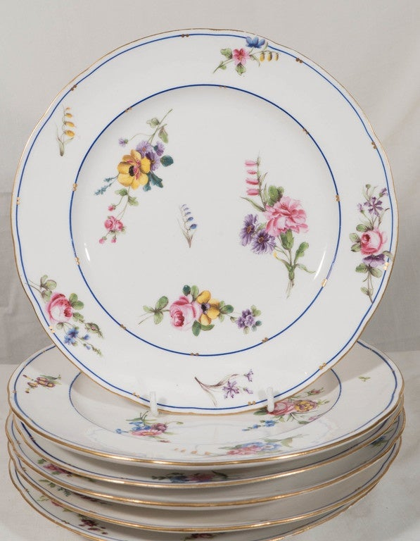Dozen Sèvres Porcelain Dishes   In Excellent Condition For Sale In New York, NY