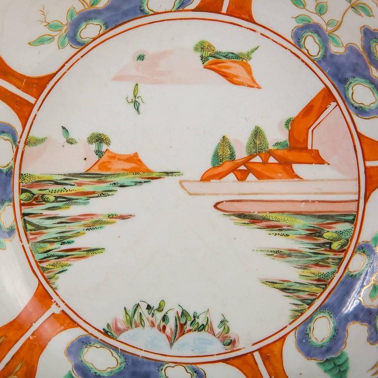 Paar Porzellanschalen mit Chinoiserie-Dekoration aus dem 18. Jahrhundert 3