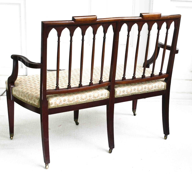 Carved American Hepplewhite Revival Bench For Sale