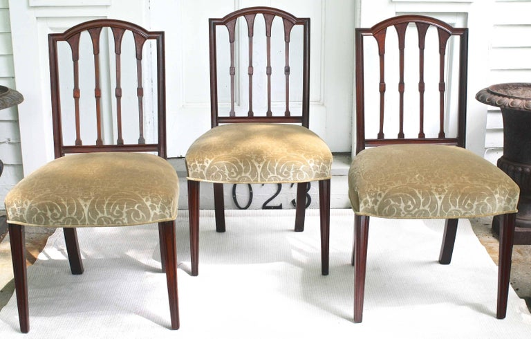 Carved EIGHT American Hepplewhite Revival Dining Chairs For Sale