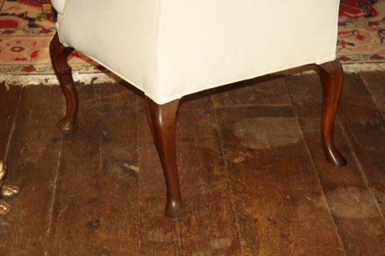 George II Walnut-Leg Armchair For Sale 1