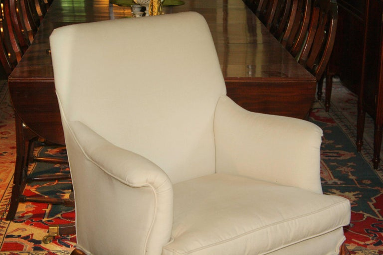 18th Century George II Walnut-Leg Armchair For Sale
