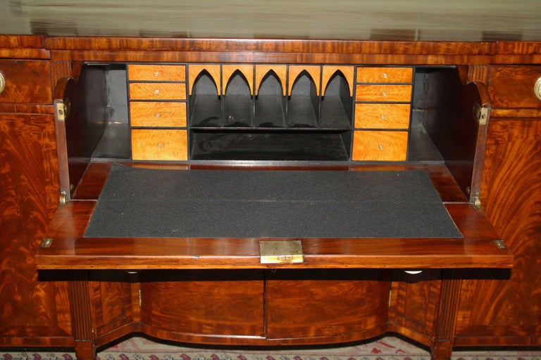 Baltimore Federal Sideboard with Butler's Secretary In Good Condition For Sale In Woodbury, CT