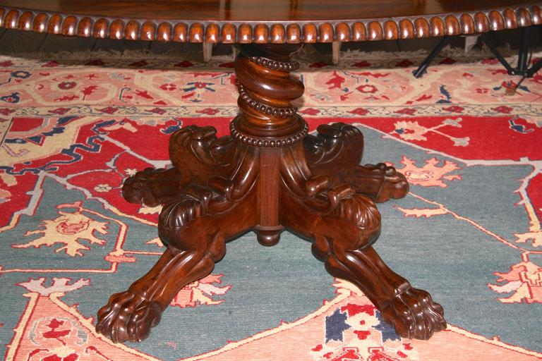 Anglo-Indian Oval Rosewood Pedestal Table For Sale 1