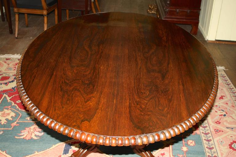 Anglo-Indian Oval Rosewood Pedestal Table In Good Condition For Sale In Woodbury, CT