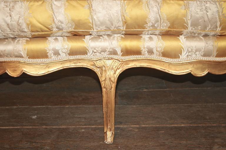 Beech Louis XV Giltwood Canape a Oreilles For Sale