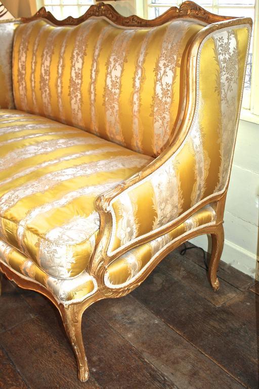 Louis XV Giltwood Canape a Oreilles For Sale 1