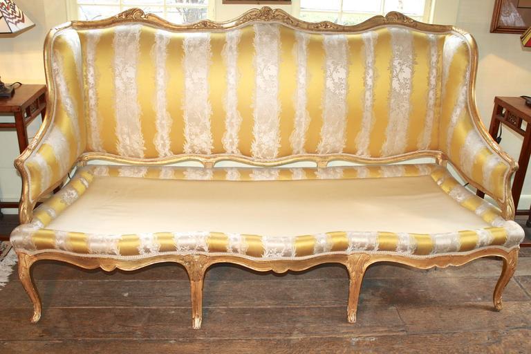 Louis XV Giltwood Canape a Oreilles For Sale 2