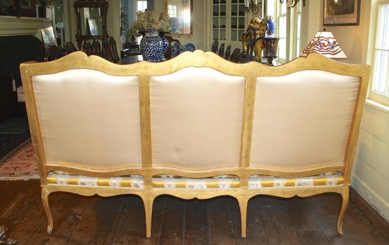Louis XV Giltwood Canape a Oreilles For Sale 3