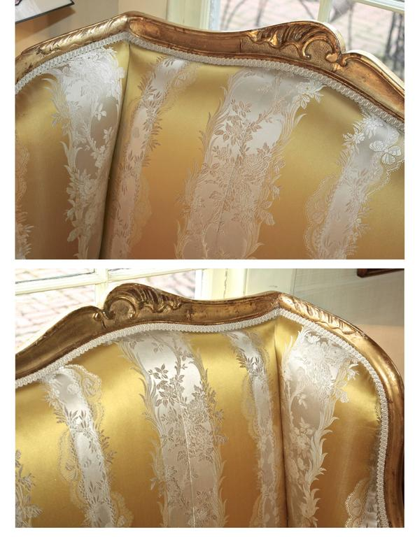 Hand-Carved Louis XV Giltwood Canape a Oreilles For Sale