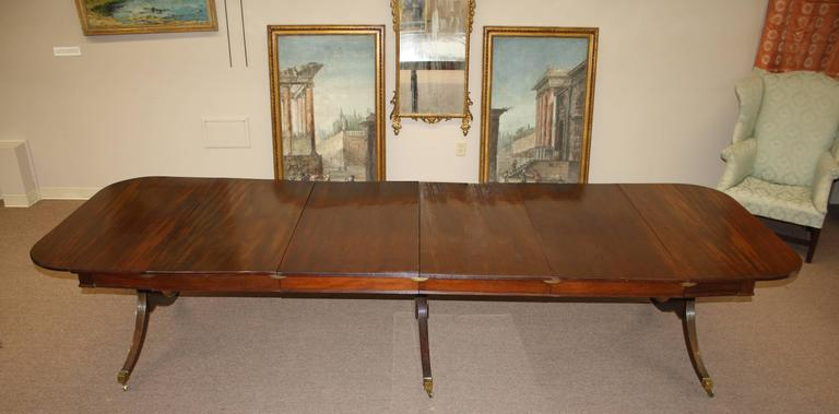 19th Century American Federal Triple Pedestal 'Concertina' Banquet Table For Sale