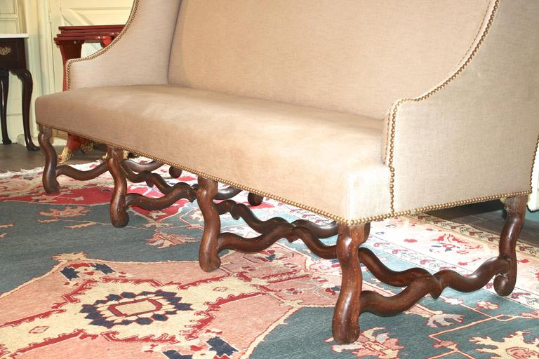 Louis XIV Os de Mouton Sofa In Good Condition For Sale In Woodbury, CT