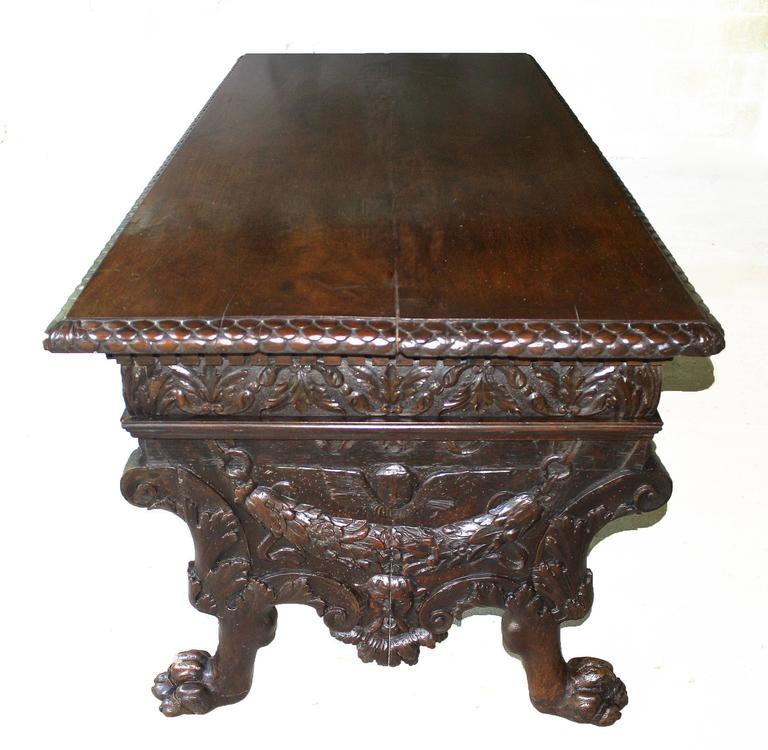 Italian Renaissance Trestle Table  In Good Condition For Sale In Woodbury, CT