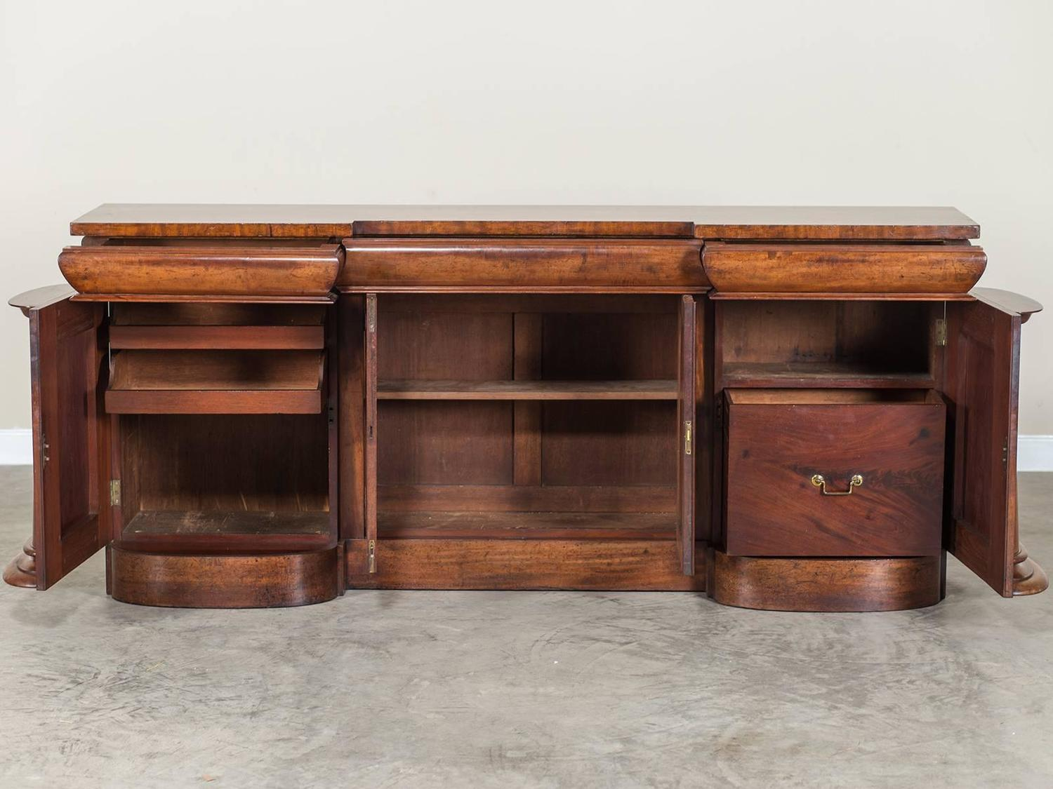 Regency mahogany sideboard buffet england circa 1825 at for Furniture 1825