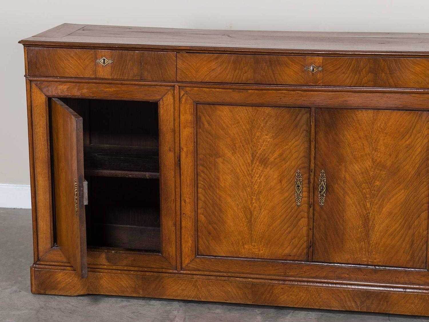 louis xvi style antique french elm buffet enfilade circa 1840 for sale at 1stdibs. Black Bedroom Furniture Sets. Home Design Ideas