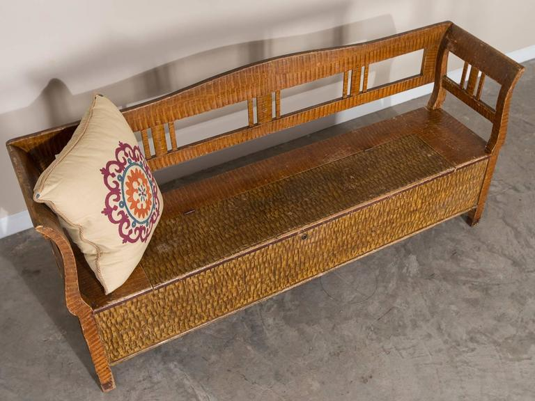Romanian Hungarian Antique Painted Storage Bench, circa 1880 For Sale 4