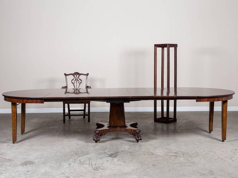 Antique American Empire Mahogany Pedestal Dining Table Circa 1825 For Sale 3