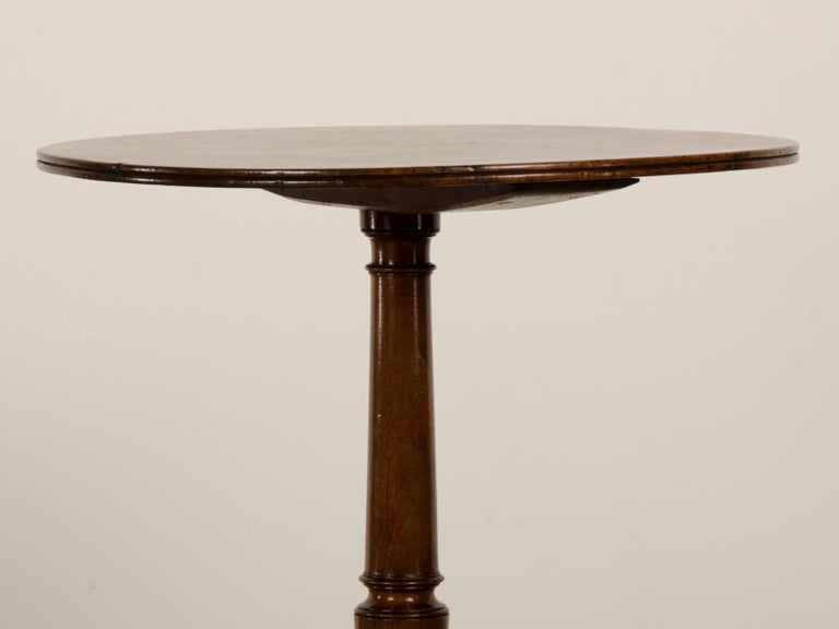 Hand-Carved Antique English Regency Sheraton Style Mahogany Table, circa 1820 For Sale