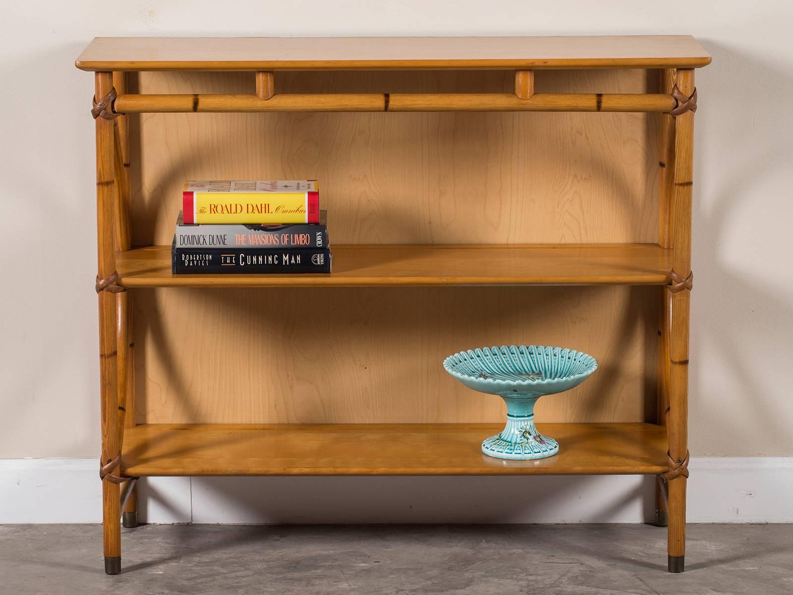 Mid Century Modern Heywood Wakefield Bamboo Étagère Display Shelves, USA In  Excellent Condition For