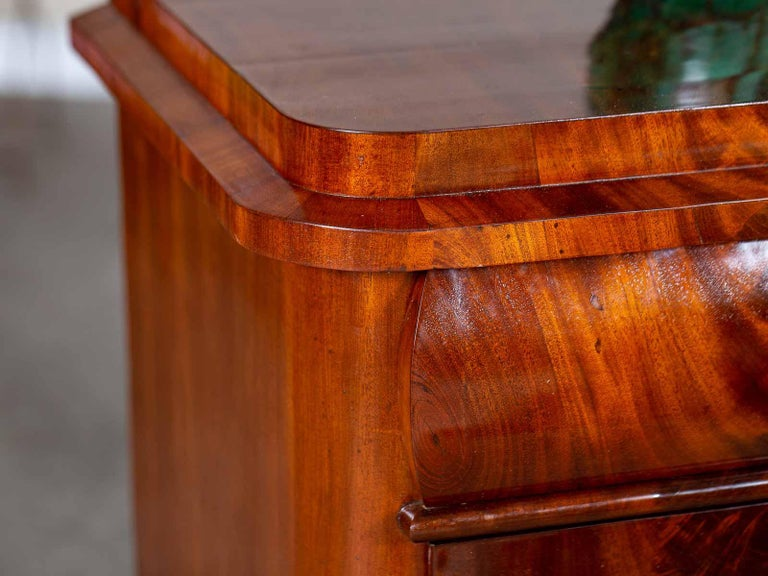 Pair of Biedermeier Period North German Mahogany Chest of Drawers, circa 1820 For Sale 6