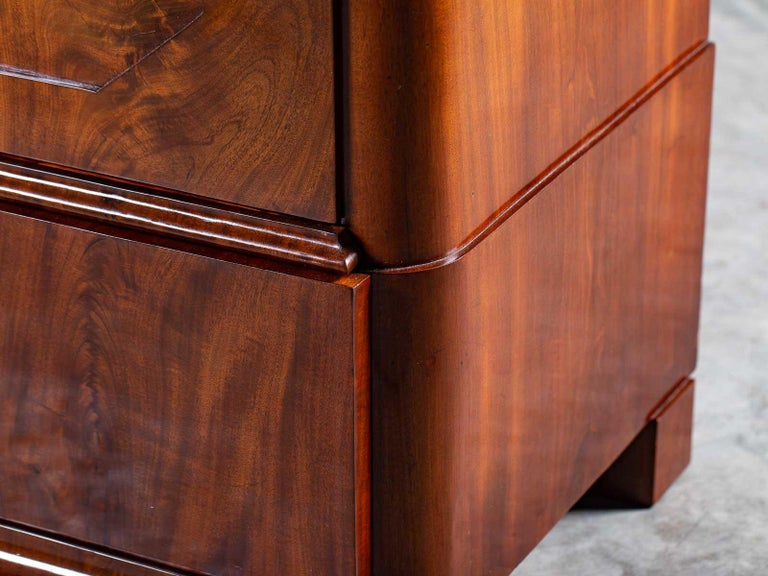 Pair of Biedermeier Period North German Mahogany Chest of Drawers, circa 1820 For Sale 14