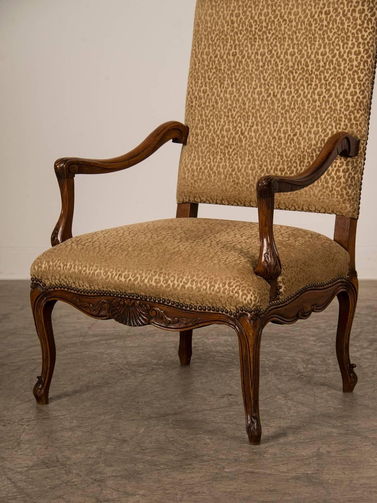Antique French Louis XV Style Walnut Armchair 'Fauteuil', circa 1880 In Excellent Condition For Sale In Houston, TX