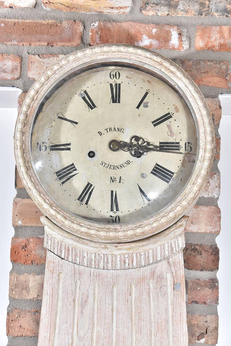 Very architectural Swedish clock made in Stjernsund, circa 1800 with original paint.