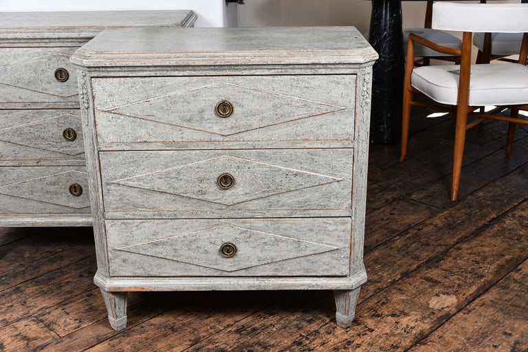 Pair of Swedish Gustavian Chests In Good Condition For Sale In Houston, TX