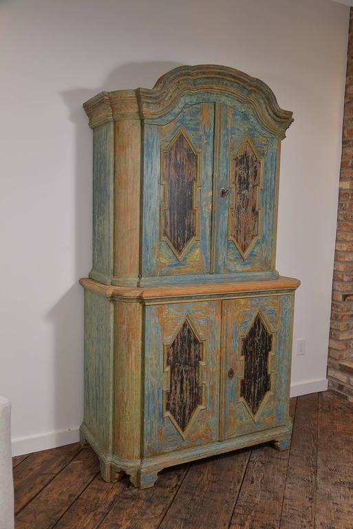 Handsome Swedish Rococo cabinet in original paint, a true beauty.