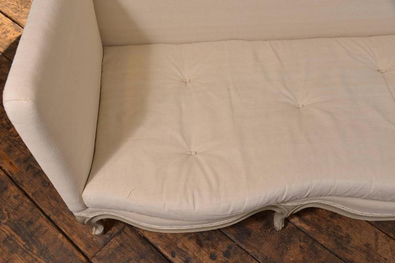 Louis XVI Style Sofa In Excellent Condition For Sale In Houston, TX