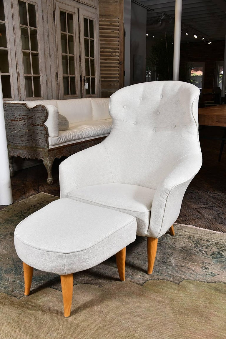 """Very rare """"Onkel Adam"""" lounge chair, newly upholstered and in excellent condition, Sweden, circa 1955, beech legs. A true beauty."""