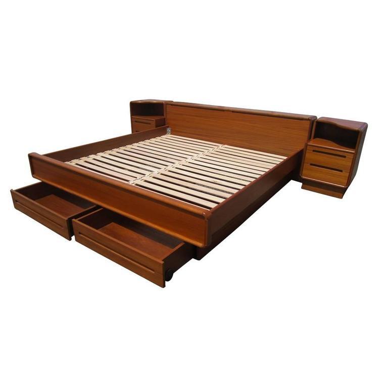 vintage mid century danish teak platform bed with nightstands for sale at 1stdibs. Black Bedroom Furniture Sets. Home Design Ideas
