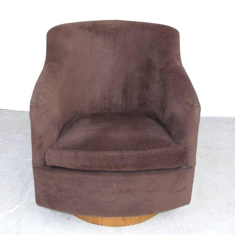 Vintage Mid-Century Barrel Swivel Lounge Chair by Milo Baughman Thayer Coggin 3