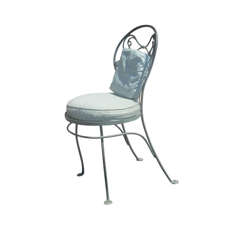 Set of Eight Vintage Wrought Iron Outdoor Chairs by Salterini In Good Condition For Sale In Pasadena, TX