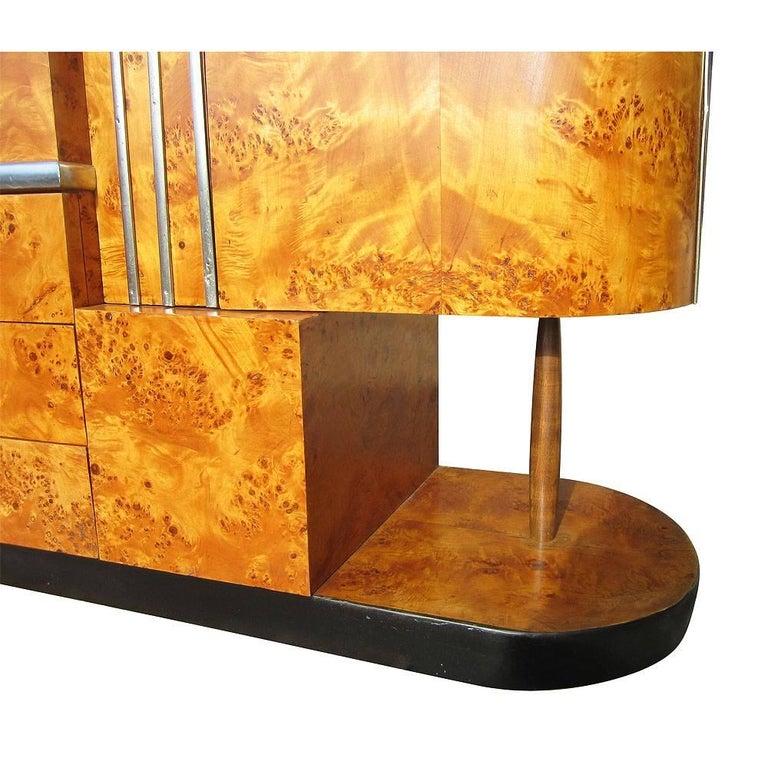 Vintage Art Deco Armoire In Good Condition For Sale In Pasadena, TX