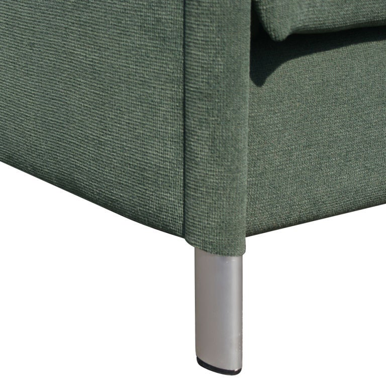Mid-Century Modern Gary Lee for Knoll Sofa For Sale