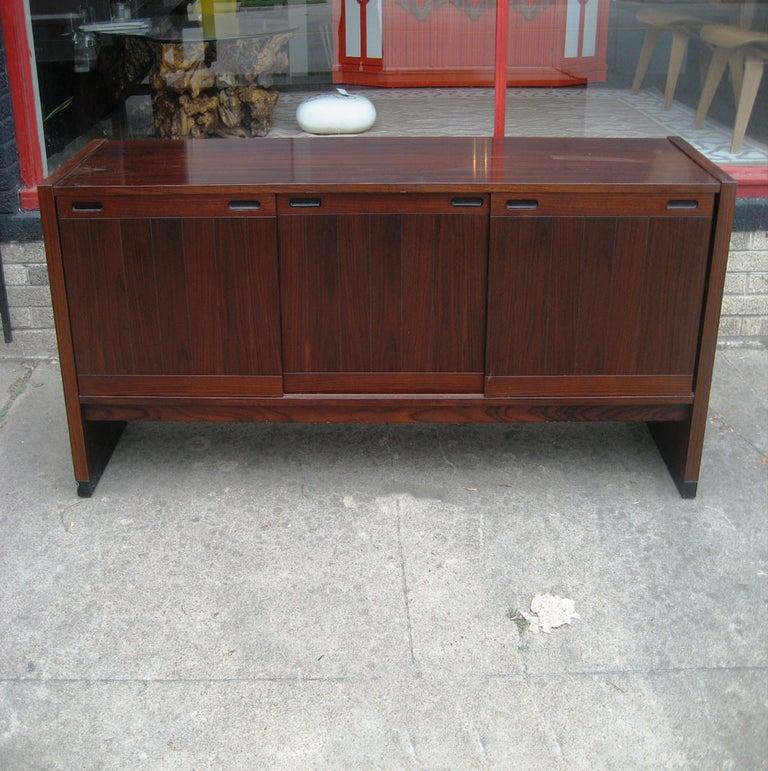 Danish Vintage Mid-Century Modern Dyrlund / Drylund Rosewood Credenza For Sale