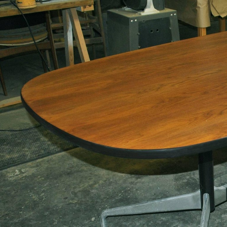 Mid Century Eames Herman Miller 7ft Walnut Conference Table SALE In Excellent Condition For Sale In Pasadena, TX